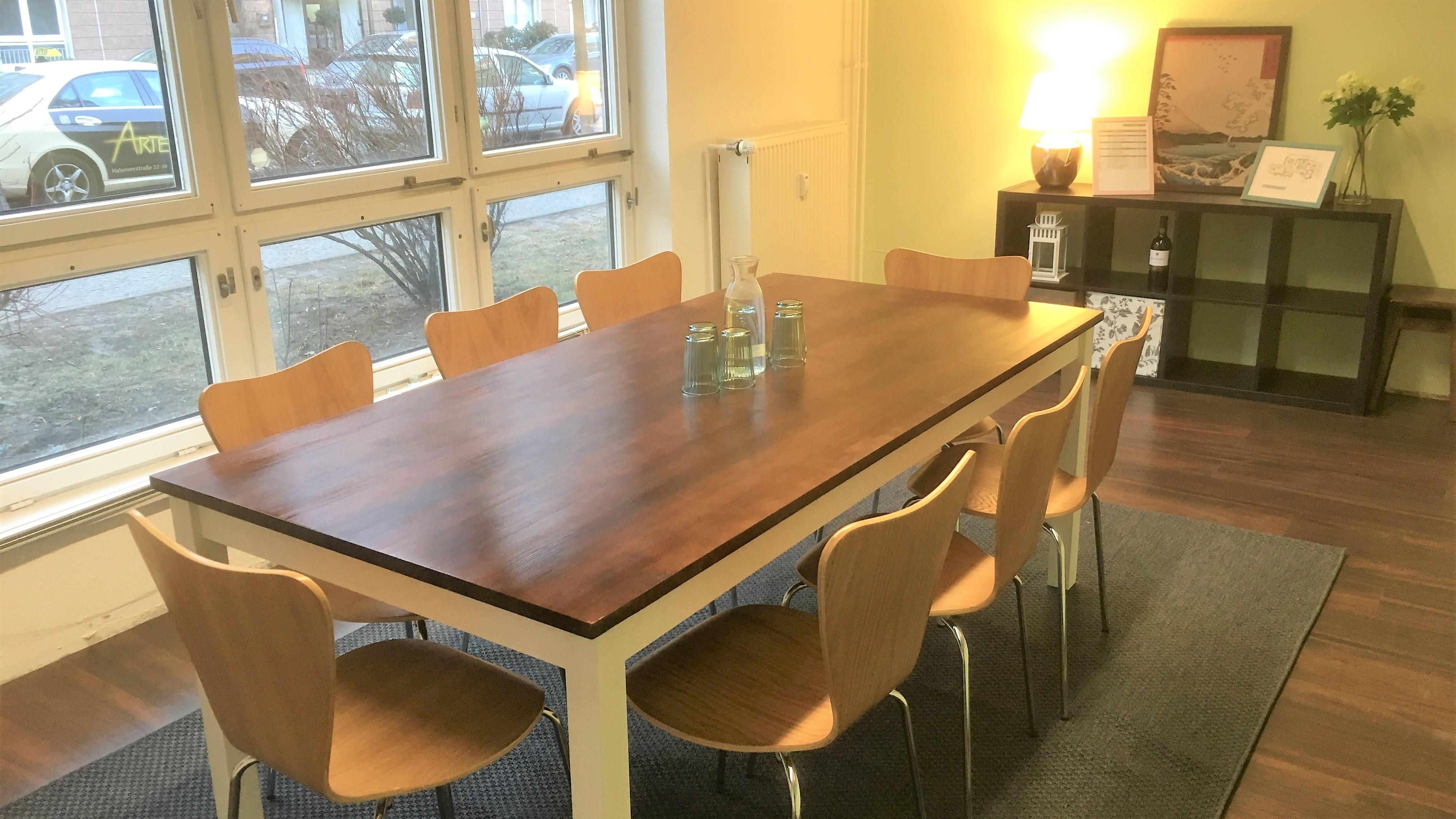 neuer besprechungsraum an der mall of berlin kiez b ro. Black Bedroom Furniture Sets. Home Design Ideas